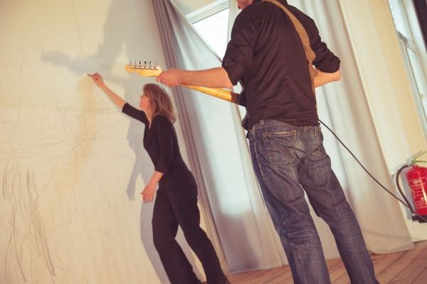 De ruimte in Dans Performance with Maaike van de Westeringh and Jeen Rabs Mobila, Amsterdam(NL) Photo by Liliane Smith