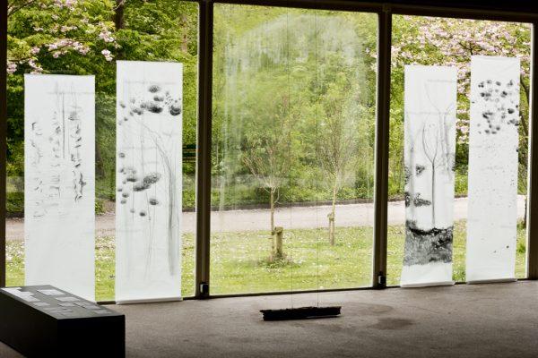 Graphite pencil on calqueer paper, 2 x 60 x ± 220 cm, exhibition in Zone2Source, het Glazen Huis, Amstelpark, Amsterdam, 2017, photo by Harold van de Kamp