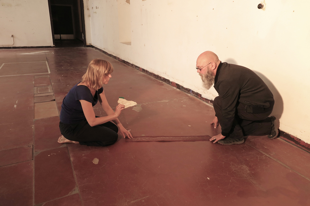 NOWHERE Performance at performance art weekend 'The object doesn't exist', 25 & 26 August 2018, Nucleo projectruimtes Ghent, Photo by Nicole Halsberghe
