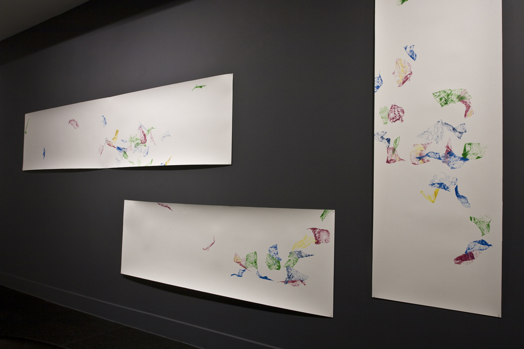 To fly and whirl, fragile with the flowing wind pencil drawing on paper, drawinginstallation at exhibition DRAW Kunstliefde, 2018