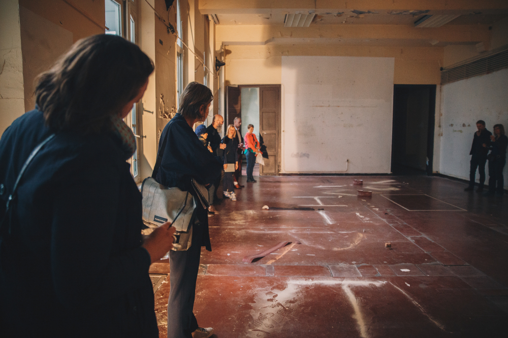 NOWHERE Performance at performance art weekend 'The object doesn't exist', 25 & 26 August 2018, Nucleo projectruimtes Ghent, Photo by Rebecca De Cavel